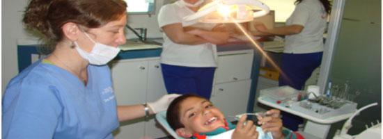 Proyecto quebusca regalar sonrisas en Colombia a los niños de bajos recursos para que tengan una alegría en su sonrisa.