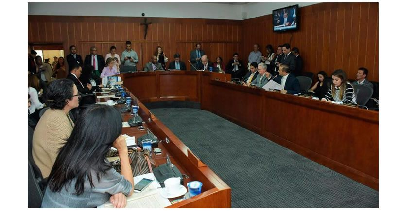Senado crea subcomisión de seguimiento a migración desde Venezuela