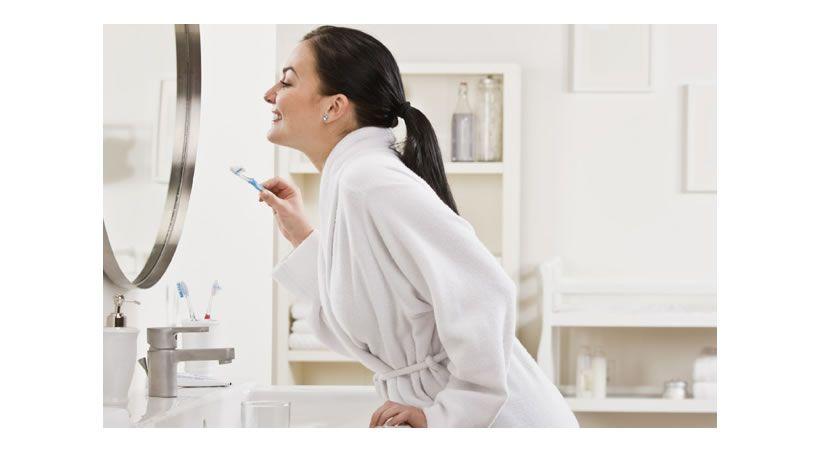 Mala higiene bucal en embarazo causa partos prematuros