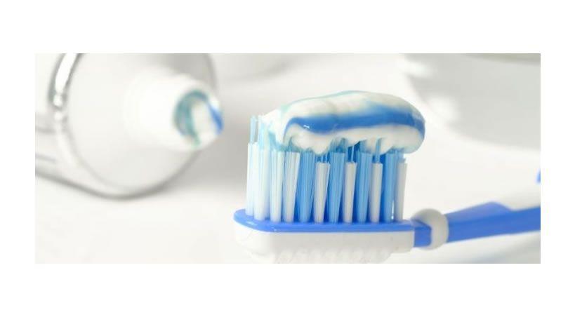 ¿Por qué Colgate retirará el triclosán de su pasta de dientes?