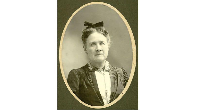 Primera mujer odontóloga