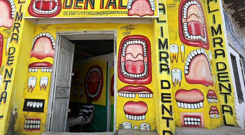 """Una mutilación para """"sacar los gusanos de la boca"""""""