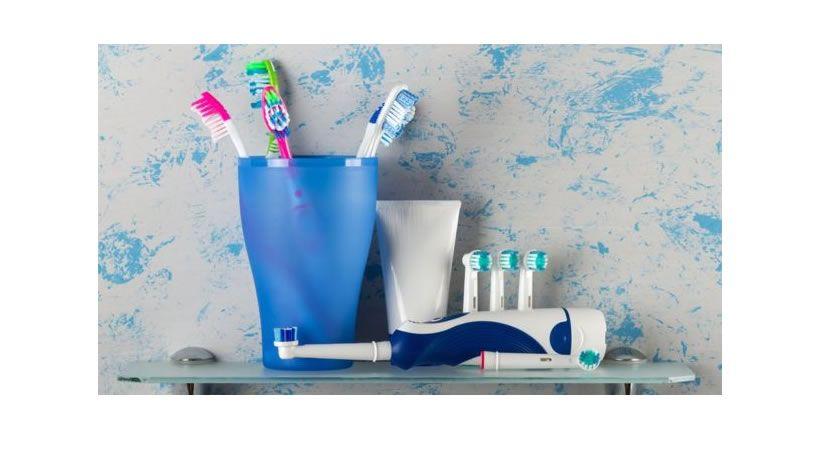 Eléctrico o manual: ¿qué cepillo dental es mejor para nuestros dientes y encías?