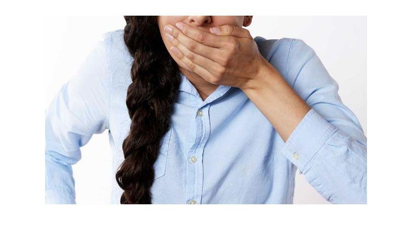 Un tercio de la población adulta padece o ha padecido halitosis