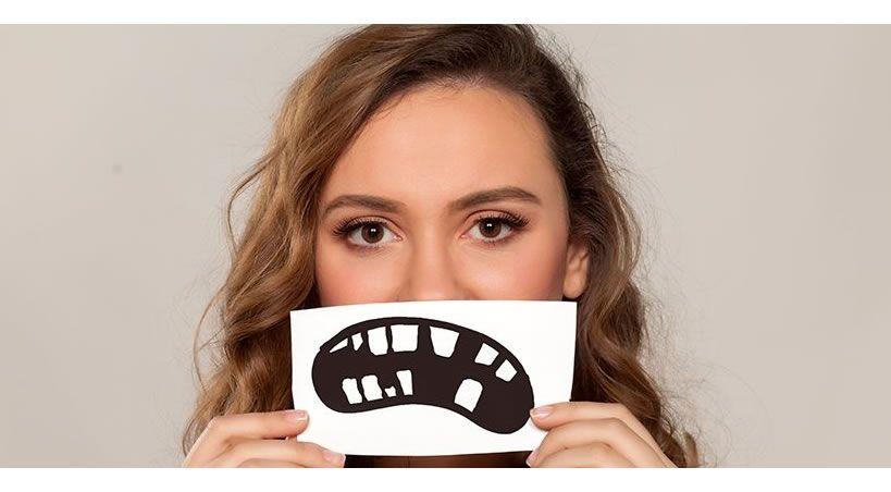 Cómo actuar ante un traumatismo en la boca: ¿se puede recuperar el diente?