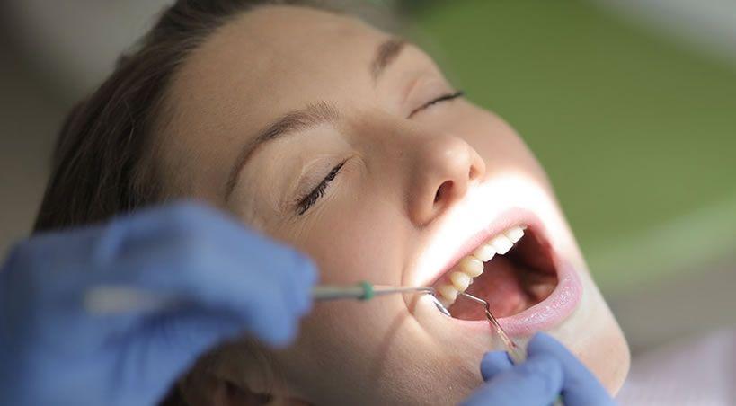 ¿Se puede proteger la salud dental con una bacteria?